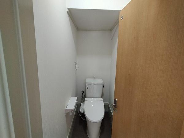 快適な温水洗浄機能付のトイレ♪