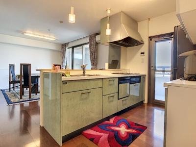 【キッチン】アドバンス21ベイスクエアコンコルディア 903号室