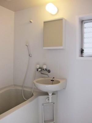 2013年にバス トイレ キッチンリフォーム入っております。