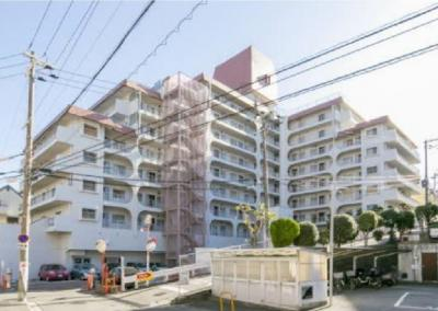 【現地写真】鉄筋コンクリート造の244戸の大型マンション♪