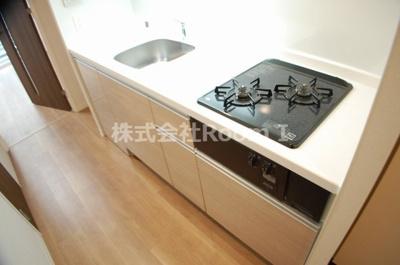 コンパクトなキッチンで掃除もラクラク 反転