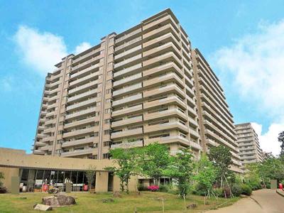 【現地写真】鉄筋コンクリート造の343戸の大型マンション♪