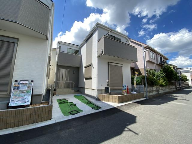 京成本線「鬼越」駅徒歩18分の全2棟の新築一戸建てです。JR総武・中央緩行線本八幡駅徒歩23分もあります。