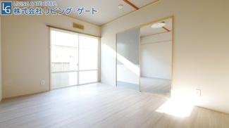 DKのお部屋もキッチンの横に窓があるので光が入ってきます。