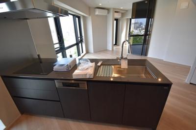 【キッチン】白金台の高級新築 欲しかったのはこの眺望のある2LDK Briillia ist 白金台