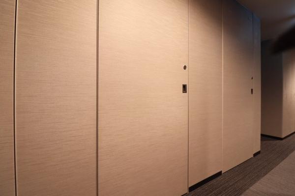 トランクルームにて大きなキャリーケースなども収納いただけます。