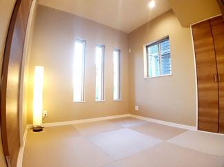 和室は小さいお子様のお昼寝やプレイルームにもぴったり!万が一転倒しても畳がクッション代わりになってくれるのでよちよち歩きの赤ちゃんでも安心です。