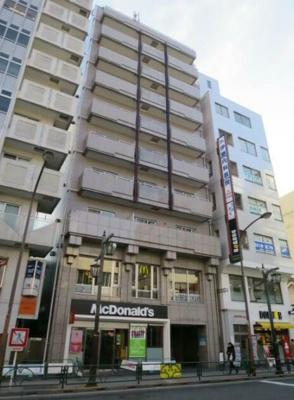 駅前のマンションです