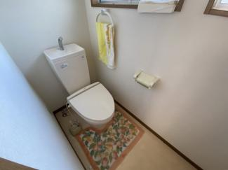 離れのトイレ。