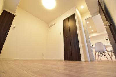約4.9帖の洋室。あなたならどんなお部屋にしますか?