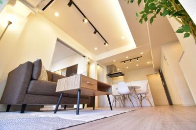 あなたはどんなお部屋が好きですか?新築同様に生まれ変わったマンションで新生活始めませんか?
