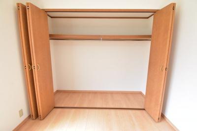 各居室に大容量のクローゼットを完備。お部屋のスペースを最大限に活用でき、整理整頓もできます。