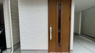 玄関ドアもとてもおしゃれです!
