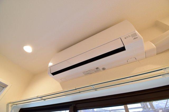 エアコン新規1台設置済みです。お引越しは何かと費用がかかるので嬉しい設備ですね。