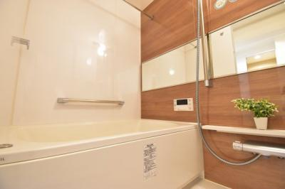 1坪タイプのバスルームはご家族皆様の疲れを癒すリラクゼーション空間。