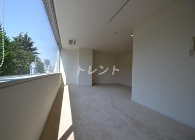【居間・リビング】クエストコート原宿