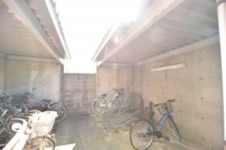 屋根付き駐輪場です(^^♪