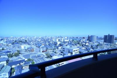 周りに高い建物が無いので素敵な眺望を望めます★