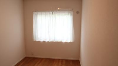 テレワークに、またはお子様のお部屋にはぴったりのお部屋です♪