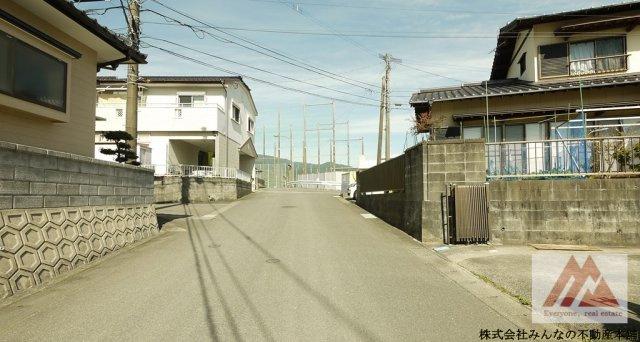 【前面道路含む現地写真】鳥栖市平田町 中古戸建