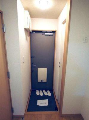 【玄関】リーバープラッツ