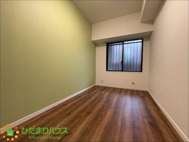 緑のクロスが可愛らしいお部屋です♪お好きなインテリアを飾ってさらに可愛く♪