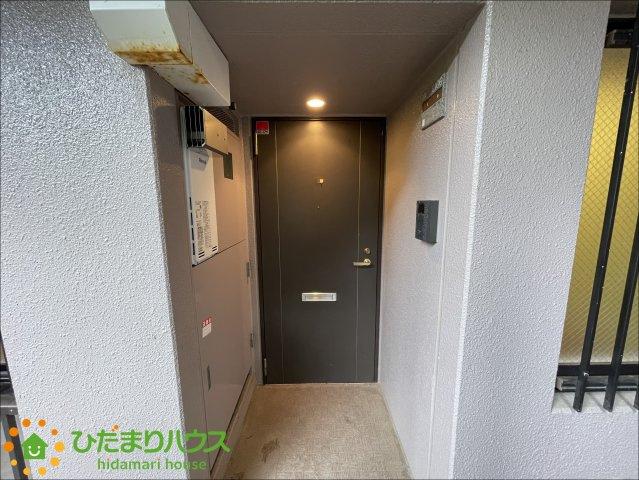 TVモニター付きインターフォン付きの玄関です♪