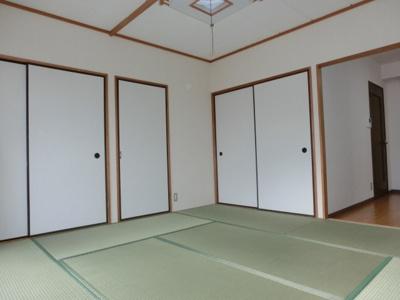 参考写真★8帖和室、収納タップリ