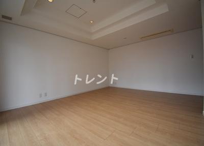 【居間・リビング】三田トラストスクエアレジデンス
