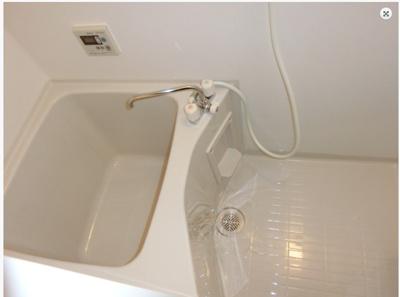 【浴室】ラパンジール新大阪