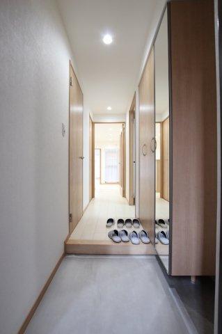 【玄関】ロワールマンション大濠