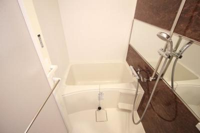 【浴室】スプランディッド天王寺