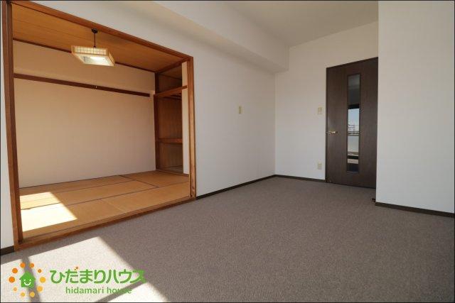 続き間の和室が空間を広く演出してくれますね。