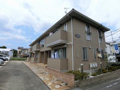 東急田園都市線「宮崎台」駅より徒歩圏内の2階建てアパート☆駅までの間にはスーパーやコンビニがあり便利です♪