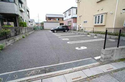 【駐車場】メイプルガーデン
