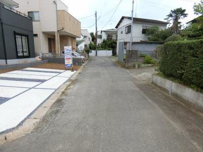 【前面道路含む現地写真】牛久市田宮町8期 新築戸建