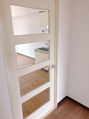 リビングと廊下の仕切り扉