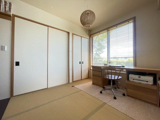 使い方色々のリビング横の和室空間です。