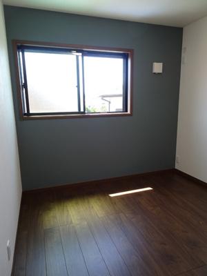 二面採光の窓からは快適な光を取入れ、風通しも良いので、いつも快適です。