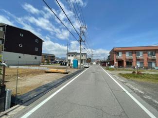 【前面道路含む現地写真】御殿場市川島田第4 新築戸建 1号棟