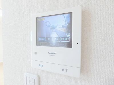 南向きのテラス・専用庭です!広々としたお庭でゆったり過ごしたり、ガーデニングなども楽しめますね♪