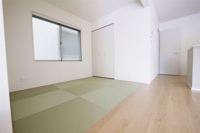 -同社施工例- キッズスペースや客間に最適な隣接和室。多目的に利用できます。