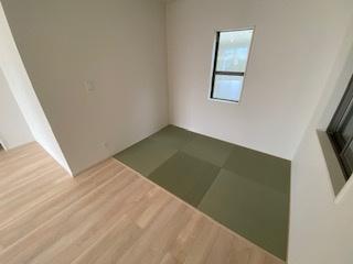 くつろげるタタミコーナーあり♪ 新築戸建の事はマックバリュで住まい相談へお任せください。
