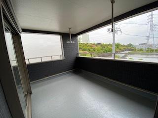 屋根ありのワイドバルコニー♪ 新築戸建の事はマックバリュで住まい相談へお任せください。