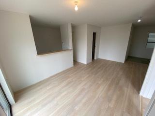 18.7帖の明るく開放的な空間♪ 新築戸建の事はマックバリュで住まい相談へお任せください。