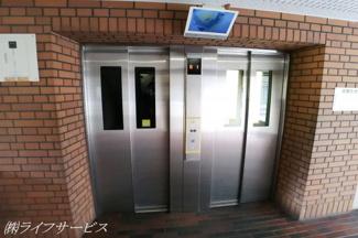 モニター付エレベーター2基