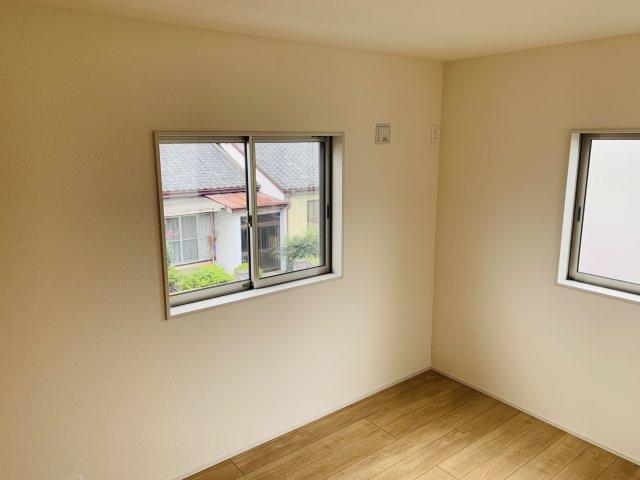 【同仕様施工例】リビングと隣の和室で広々ゆったり過ごせます。