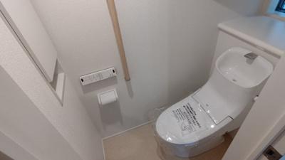 1階トイレです。 新築戸建の事はマックバリュで住まい相談へお任せください。