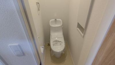 2階トイレです。 新築戸建の事はマックバリュで住まい相談へお任せください。