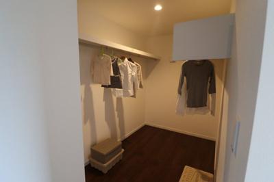 3帖分の収納で季節物の衣類や布団類もたっぷり収納できます。